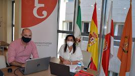 David Uclés  y Ana Moreno, en la presentación del Barómetro  del Colegio de Economistas.