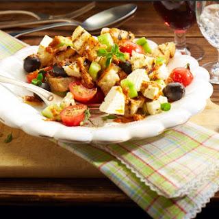 Ciabatta-Salat mit Tomaten und Schafskäse
