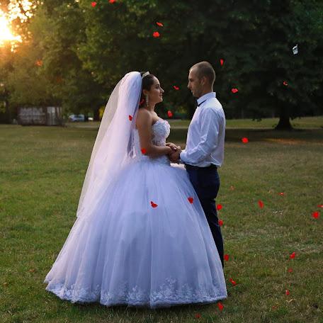 Wedding photographer Ekaterina Grebenkina (KaterinaGreben). Photo of 05.11.2015