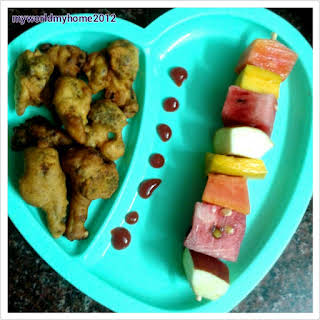 Broccoli Fritters & Fruits Kebab - Kid's Evening Snack Combo.