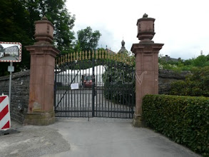 Photo: entrance in the Castle Park
