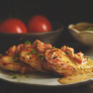 Boneless Pork Chops with Tomato Cream Sauce Recipe