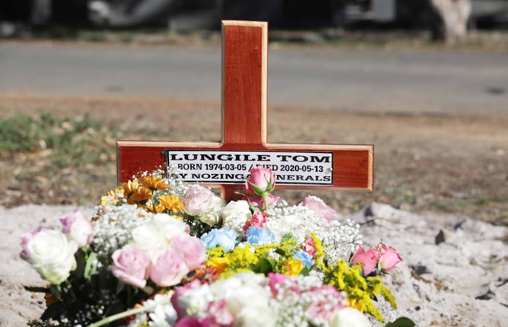 Covid-19 victim journalist Lungile Tom laid to rest - TimesLIVE
