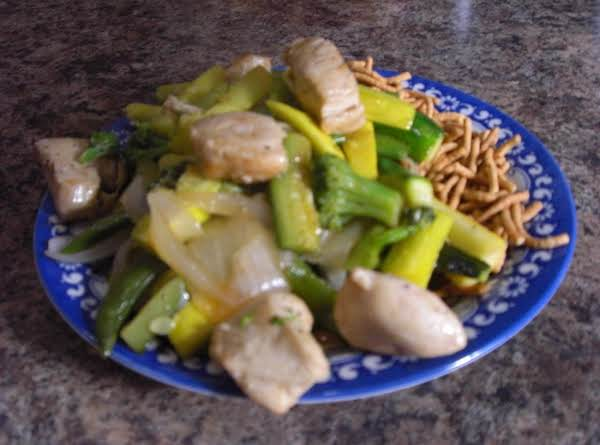 Stir Fryed Chicken With Sweet And Sour Sauce