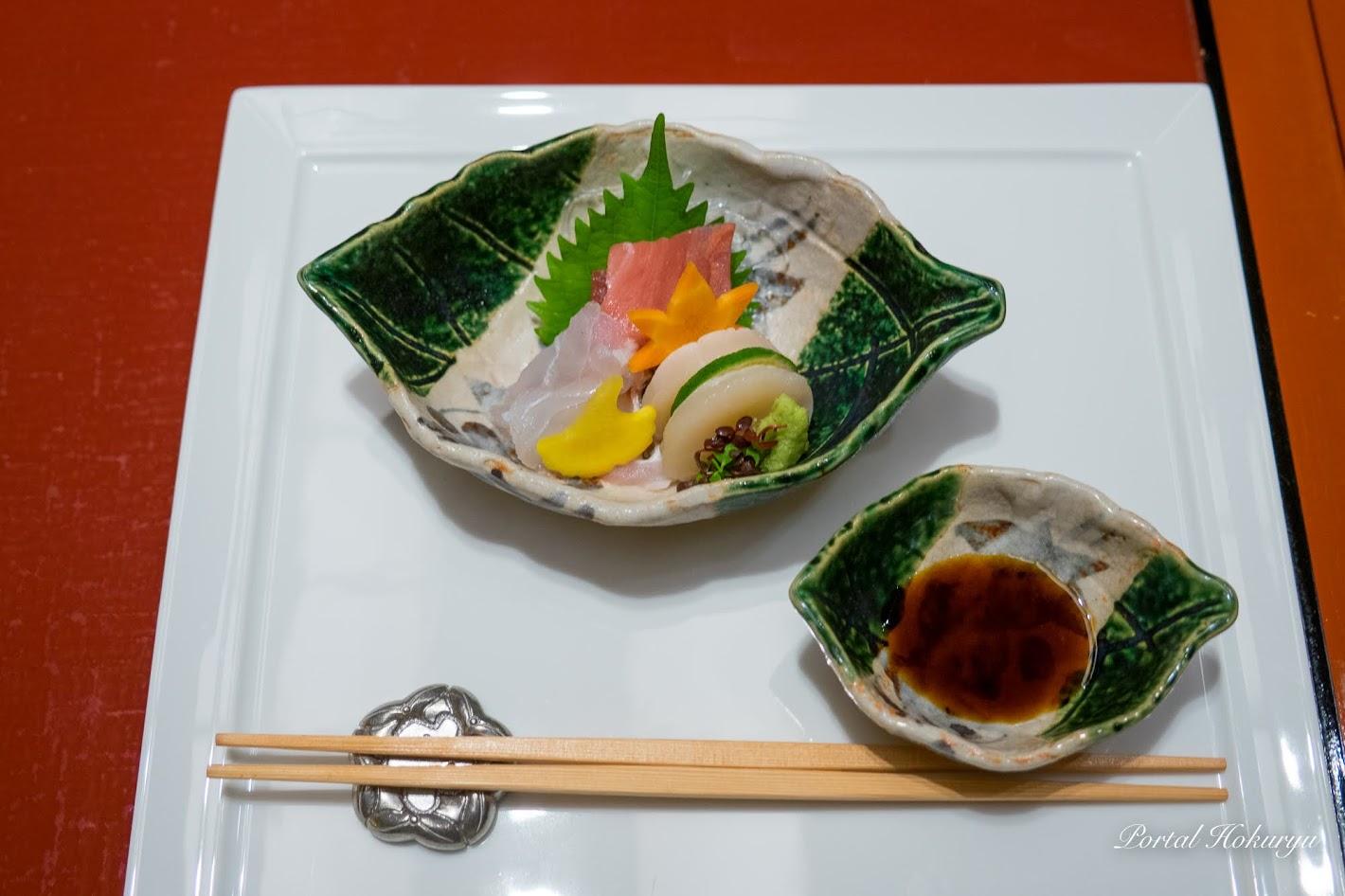 刺身:マグロ、ホタテ、鯛