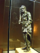 Photo: Bronze Heracles found at Anurtepe, 52cm high .......... Bronzen Heracles uit Anurtepe, 52 cm groot
