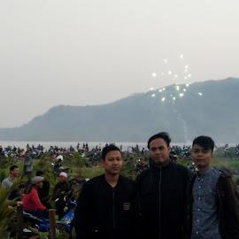 pantai geo park prov.sukabumi by Ardy Aroi - Public Holidays New Year's Eve ( yadi, ardi, jajang )