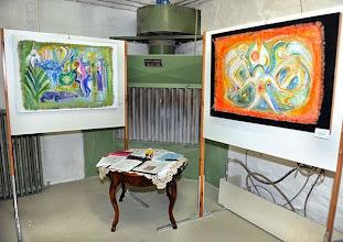 """Photo: Galerie-Eröffnung am 26.9.2013 mit der Ausstellung """"Charlotte Pohl, Malerei und Graphik. Foto: Barbara Zeininger"""