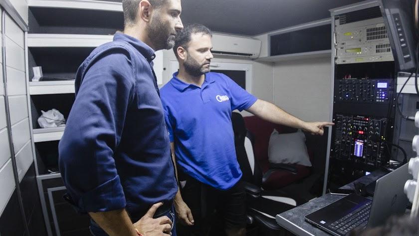 El alcalde visita el centro de operaciones instalado en el recinto ferial de la Vega de Acá.