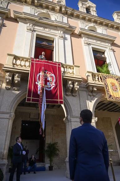 Imagen del balcón del Ayuntamiento.
