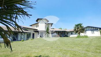 villa à Bidart (64)