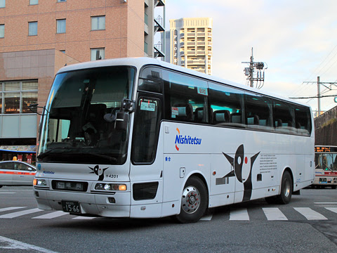 西鉄「ごかせ号」 4201 博多バスターミナルにて