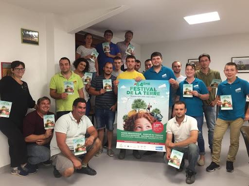 équipe organisatruce du festival de la terre