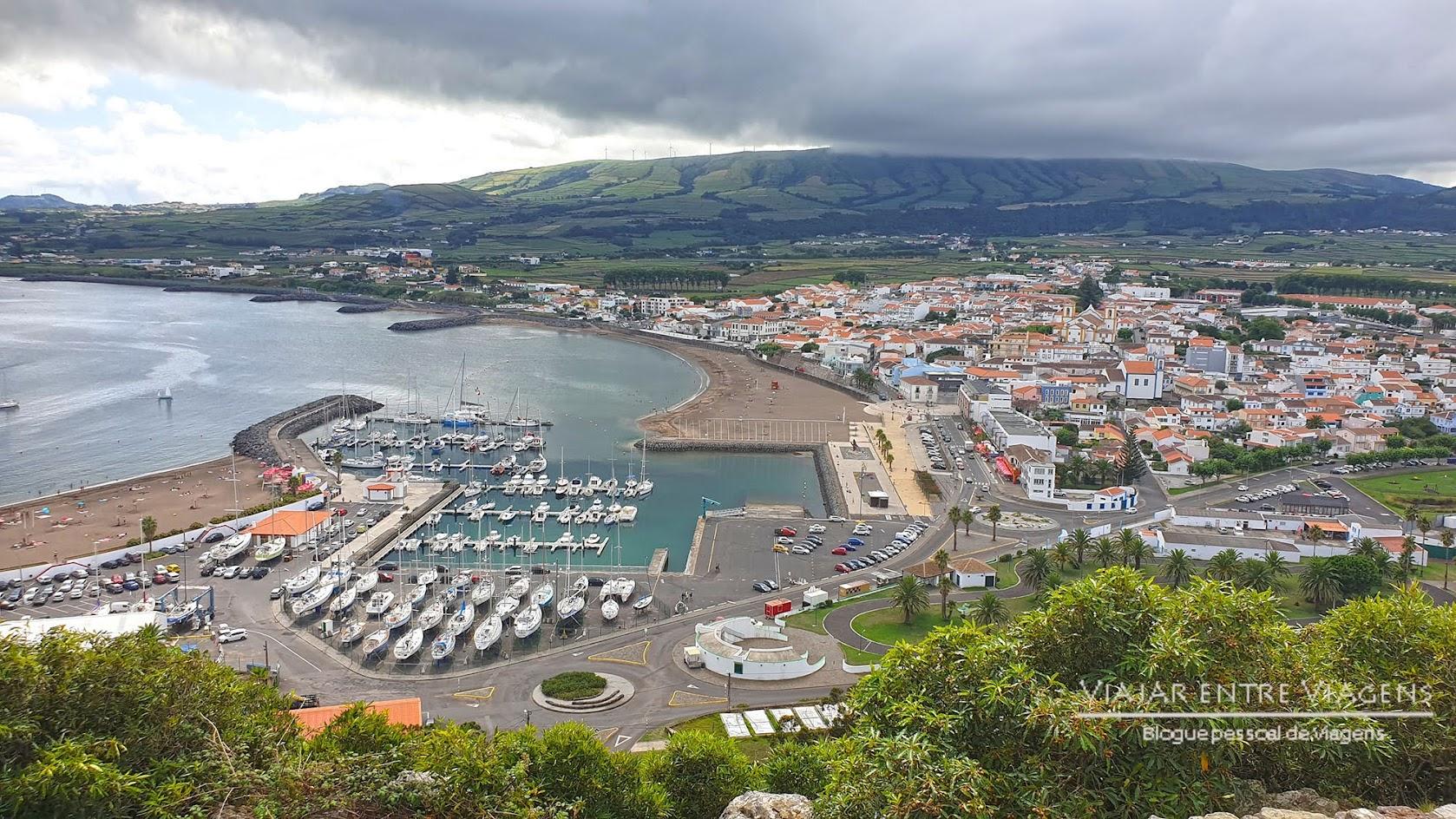 Explorar o património arquitectónico de Praia da Vitória, na ilha Terceira