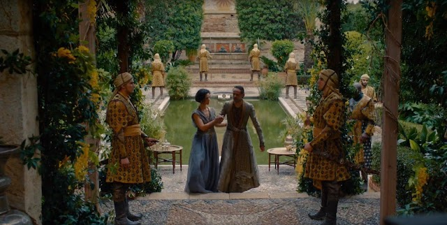 Fotograma del capítulo de 'Juego de tronos' rodado en el interior de la Alcazaba.