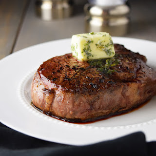 Pan-Seared Filet Mignon with Garlic & Herb Butter