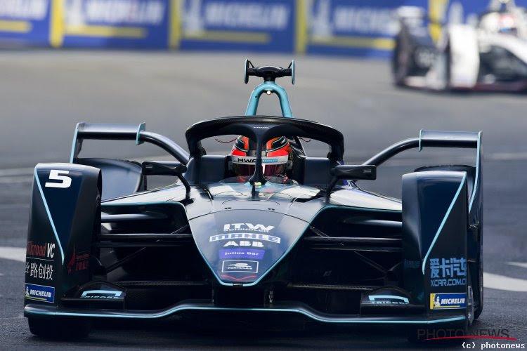 """Stoffel Vandoorne haalt meteen podium met Mercedes: """"Het is echt heel straf"""""""