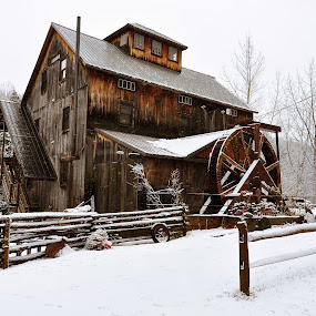 by Jan Gorzynik - Buildings & Architecture Homes ( spectacular, mountain, snowflake, travel, beauty, valley, landscape, panorama, hoarfrost, mountains, nature, cold, snow, ecology, clouds, majestic, beautiful, tourism, forest, highlands, destination, wooden, winter, environment, color, outdoor, scene, vermont, scenery, view, natural )