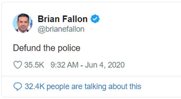 """Cựu Phát ngôn viên của bà Hillary Clinton - ông Brian Fallon đã tweet một thông điệp tới lực lượng Cảnh sát: """"Làm ô uế cảnh sát""""."""