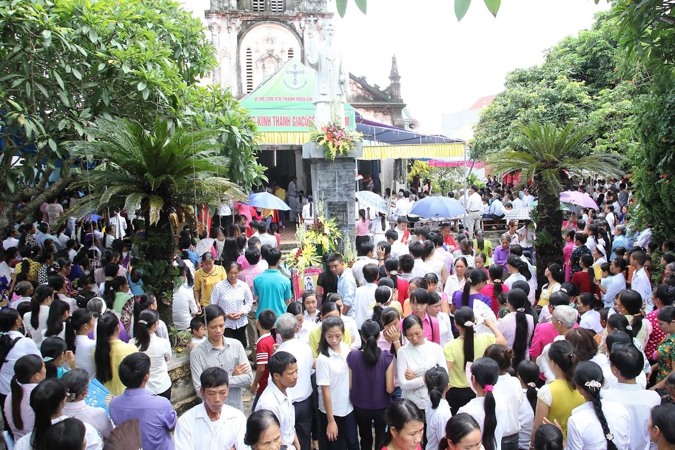 Giáo xứ Kẻ Bền: Ngày hành hương đền thánh Giacôbê Đỗ Mai Năm tại giáo họ Bồng Trung