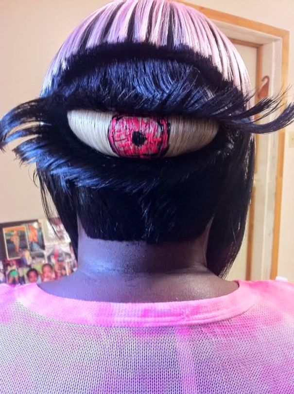 27 Bizarre Haircuts That Are Shocking
