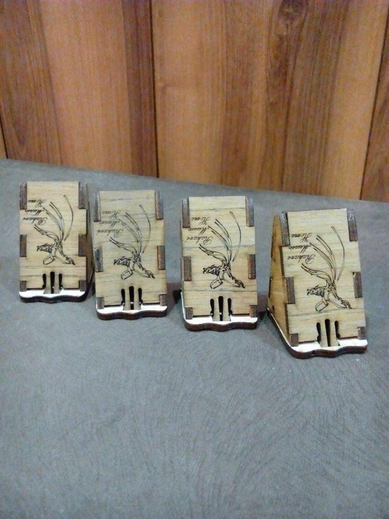 جعبهی مضراب تار و سهتار