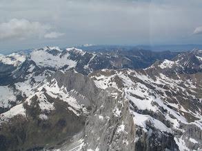Photo: Fast wie in den Dolomiten: die Steilwände von Drusenfluh, Sulzfluh, Schesaplana.