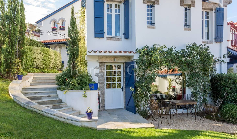 House with pool and terrace Saint-Jean-de-Luz