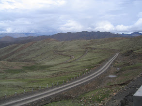 Photo: Endless switchbacks on the road to Pang la pass