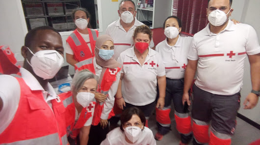 Cruz Roja atiende a 376 personas llegadas en pateras este fin de semana