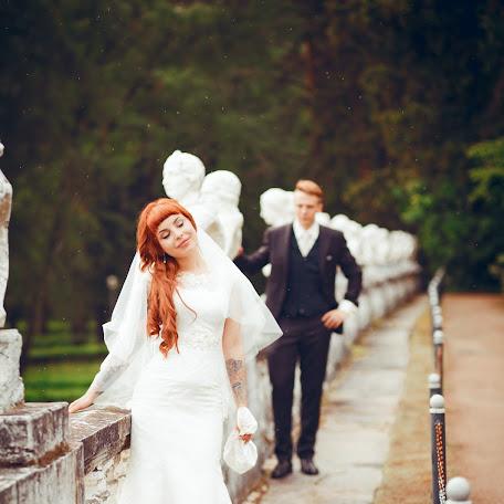 Wedding photographer Dinara Kozlova (DinaraDinara). Photo of 03.07.2015