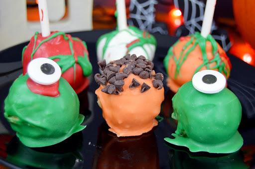 No Bake Oreo Cake Pops ~ Monster Edition