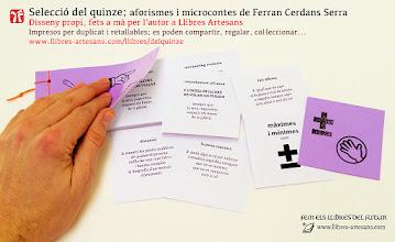 Photo: Selecció d'aforismes de Ferran Cerdans Serra en el format retallable de Llibres Artesans, en disseny propi i enquadernats a mà per l'autor
