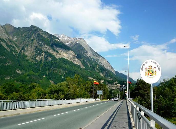 5. Vượt qua dãy núi Alpen hùng vĩ , từ trên miền bắc xuống tận phương nam nước Thụy Sĩ