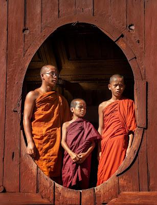 Giovani monaci in Myanmar di PaolaPlinia