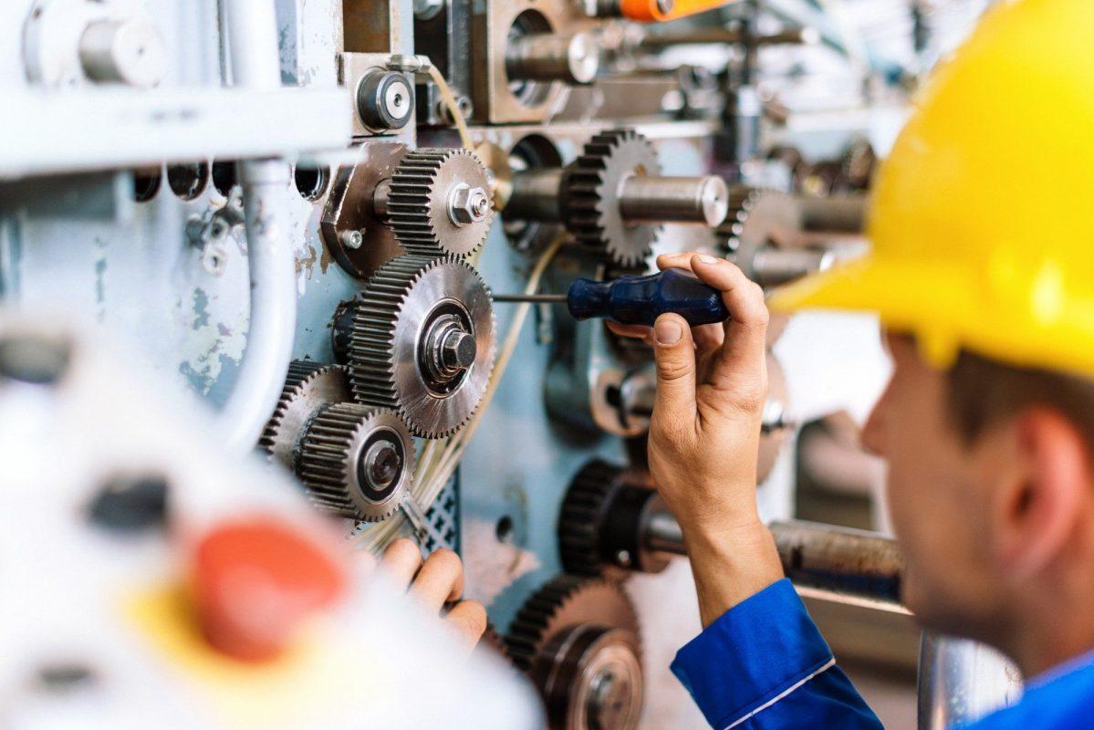 Việc bảo dưỡng nâng cao độ bền cho thiết bị công nghiệp