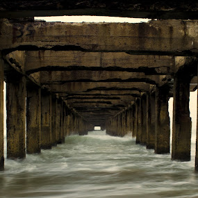 Unfinished Pier by Saravanakumar Thangavelu - Buildings & Architecture Bridges & Suspended Structures