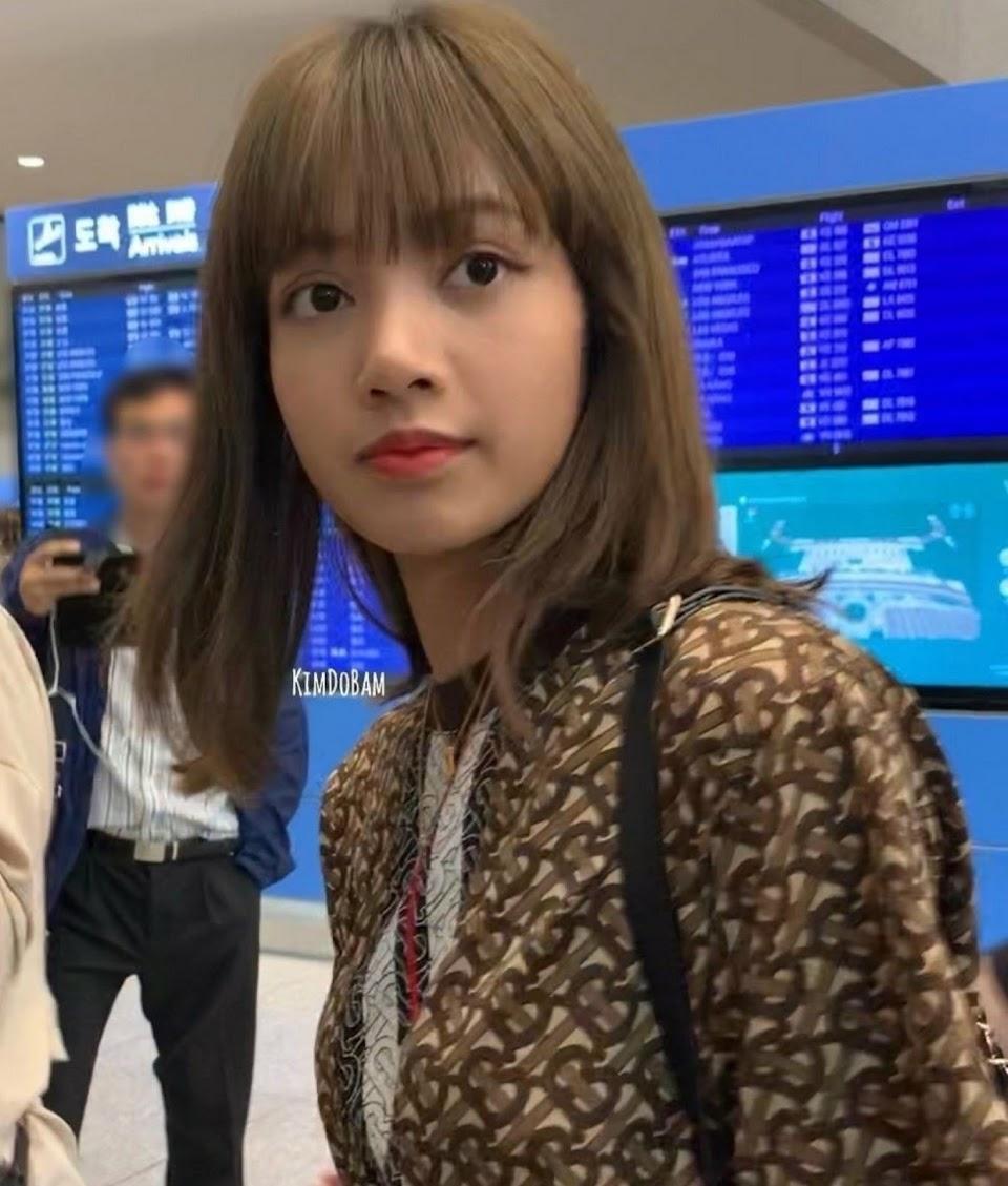 lisa in airport