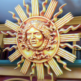 The Sun by Sean Leland - Artistic Objects Signs ( sculpture, depiction, soleil, sol, west edmonton mall, sun )