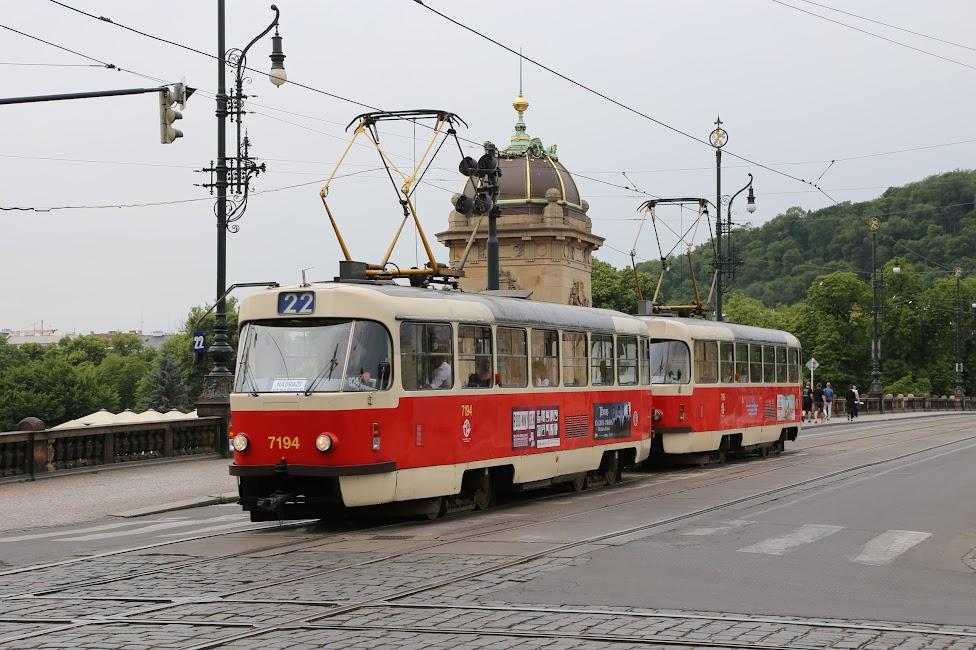 Praga, tramwaj 22, Tramwajem po Pradze