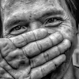 hapiness cannot hide by Jerome Mojica - Instagram & Mobile Android ( hands, white, happiness, black, farmer, man, detail, portrait, eyes )