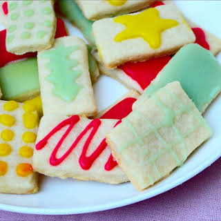 """Easy Vegan """"Butter"""" Cookies with Royal Icing."""