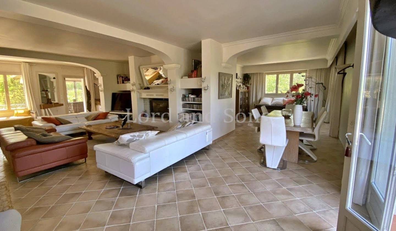 Villa avec terrasse Mirabeau