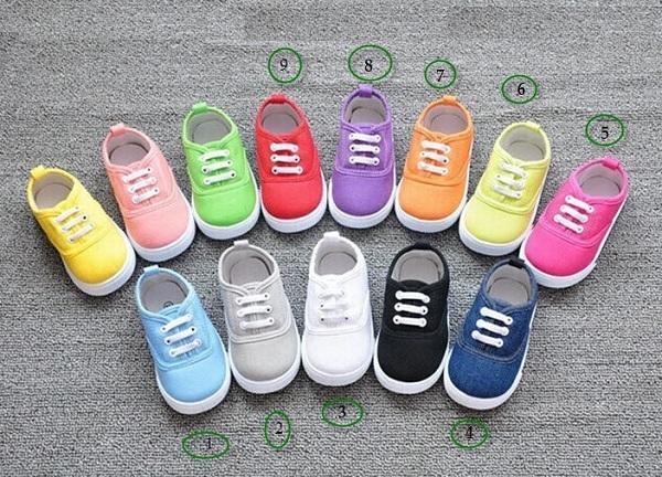 Giá bán của các nguồn sỉ giày dép trẻ em ra sao?