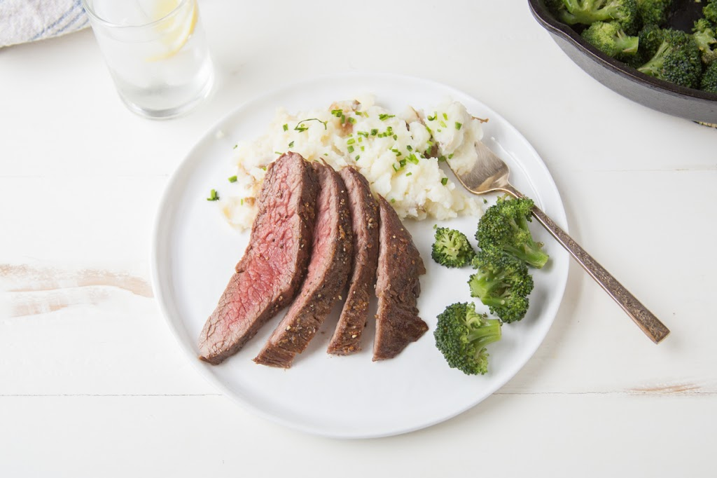 Pan Seared Steak with Mashed Potatoes