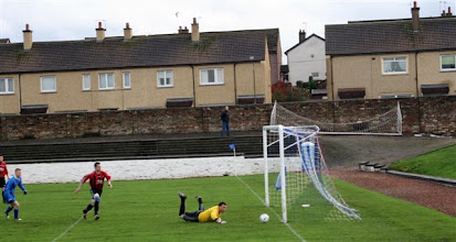 Photo: 14/11/09 v Kirkcaldy YMCA (EoSC2) 8-1 - contributed by Mike Latham