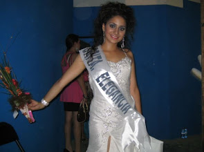 Photo: Elizabeth Cernuda Quevedo Srita. Elgancia... guaooo