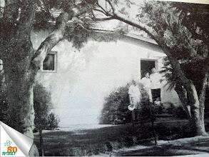 Photo: בפתח המרפאה הראשונה