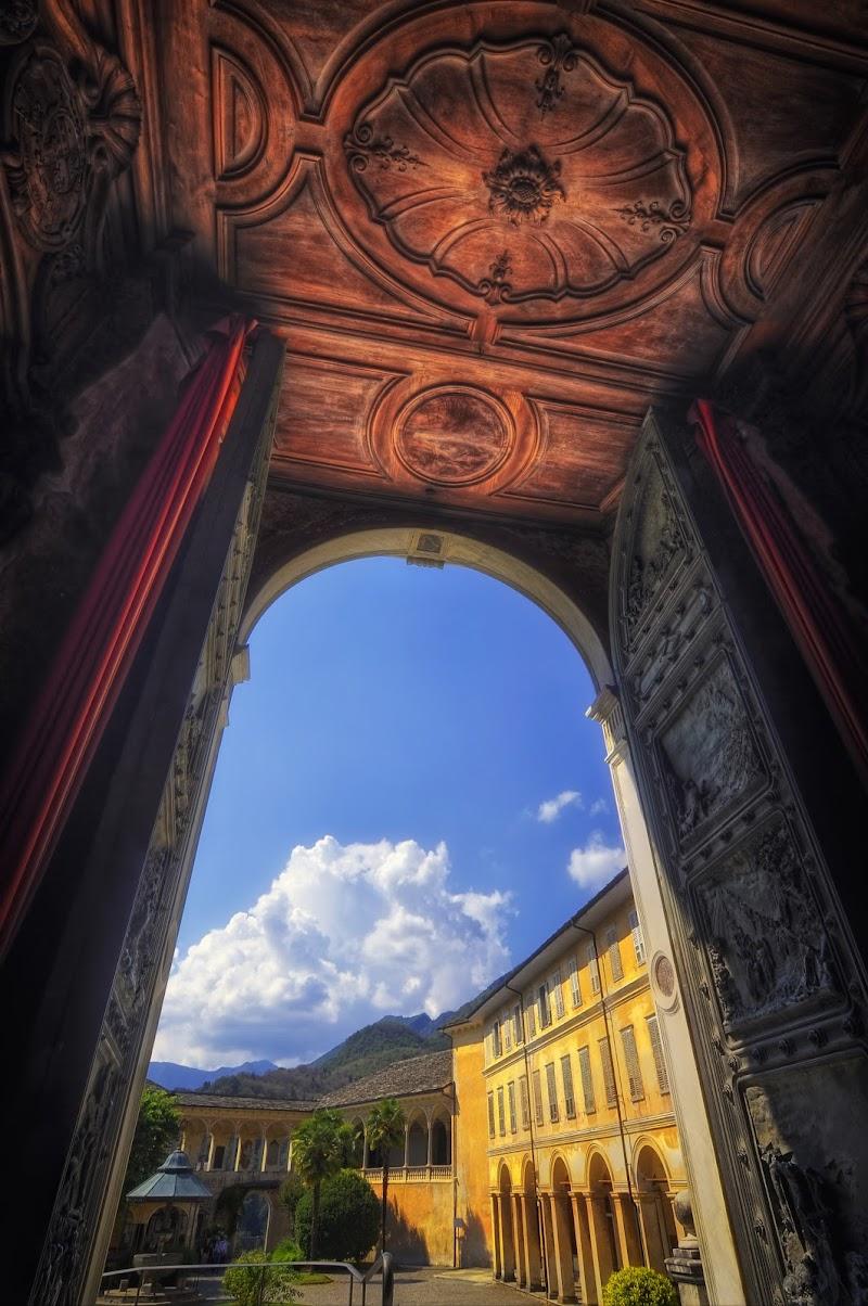 Sacro Monte di Varallo - Oltre la Porta Santa di utente cancellato
