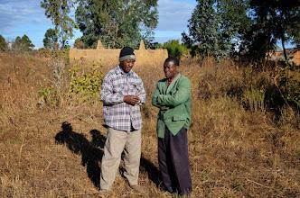 Photo: S. Tembo a A. Marekani v Nyololo